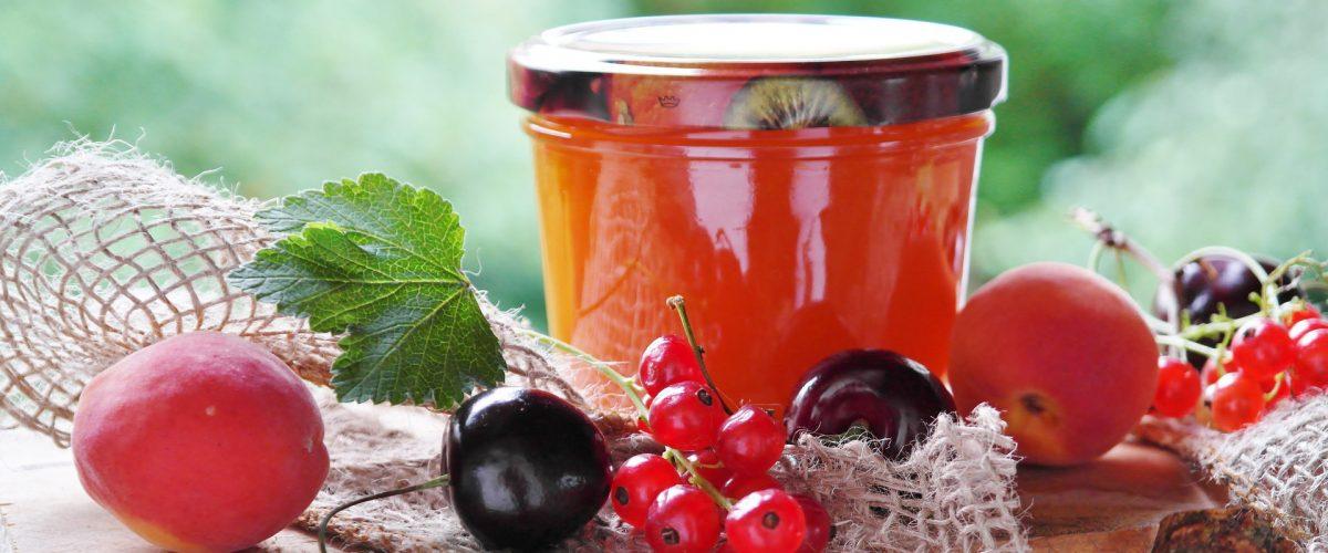Konfitüren mit 82% Fruchtanteil